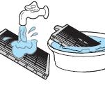 흐르는 미지근한 물로 전기집진필터를 씻어   주세요