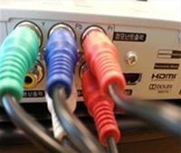 셋톱박스/컨버터에 컴포넌트 케이블을 연결합니다.