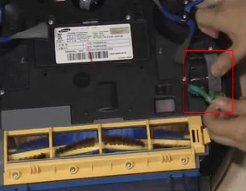 바닥면의 바퀴에 이물질이 있는 예시 화면